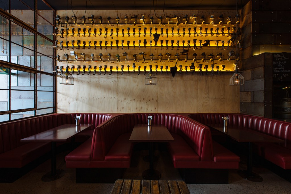 Brother-Burger-leather-booths_high-res