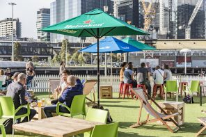 Live music at Common Man, South Wharf